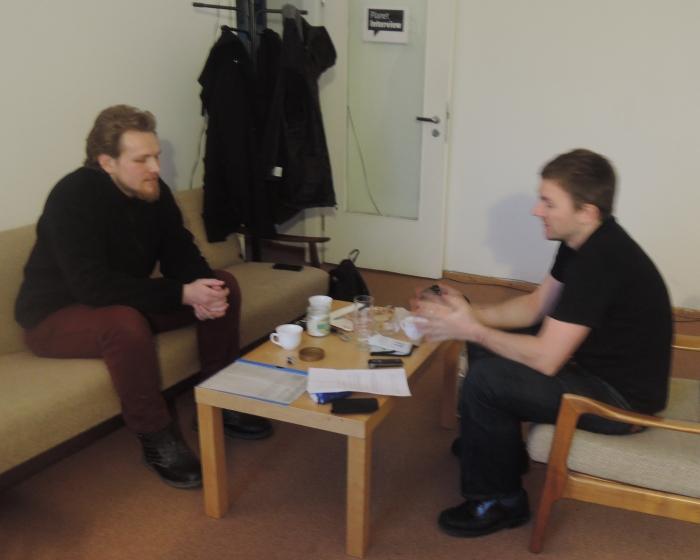 Heinrich Dück (links) beim Gespräch © Planet Interview